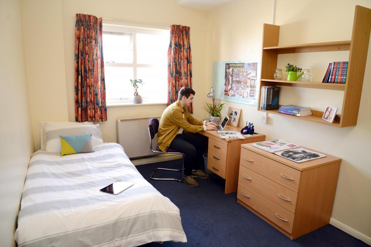 Bristol Uni Student Common Room